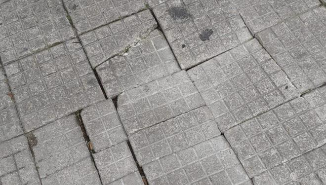 """SORA – Via Firmio, marciapiedi """"ballerini"""", la segnalazione"""