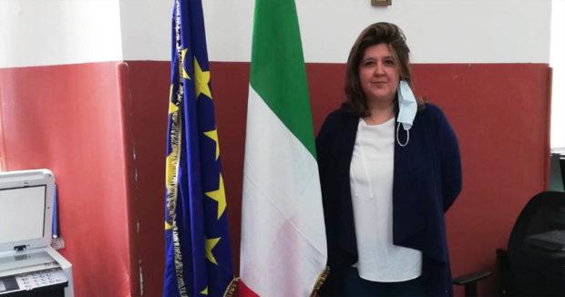 """I """"LIONS CLUB"""" di Sora-Isola del Liri regalano bandiere nuove all'Istituto Comprensivo Sora 2"""