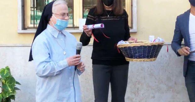 SORA – Suor Silvana compie 80 anni. Gli auguri degli alunni di ieri e di oggi