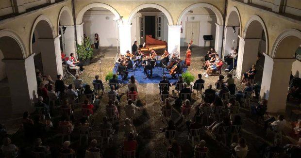 SORA – Centenario nascita Astor Piazzolla: suggestivo concerto nel chiostro del Palazzo Baronio
